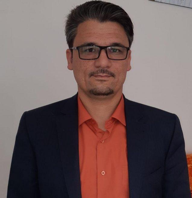 محمود فرهادی