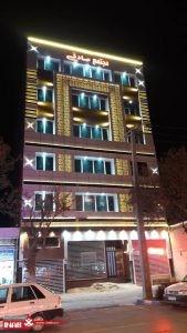 نمای جی اف ار سی   نور پردازی نمای ساختمان