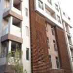نمای ساختمان مسکونی   ترکیبی چوب و سنگ
